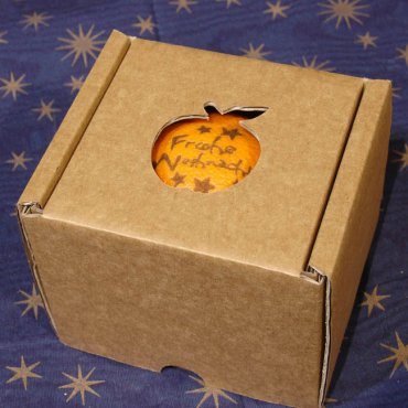 "Orange ""Frohe Weihnacht"" in Present Box"