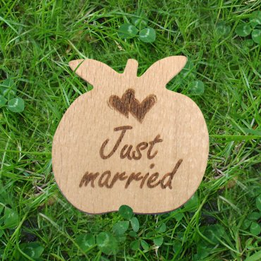 Holzapfel mini Just married