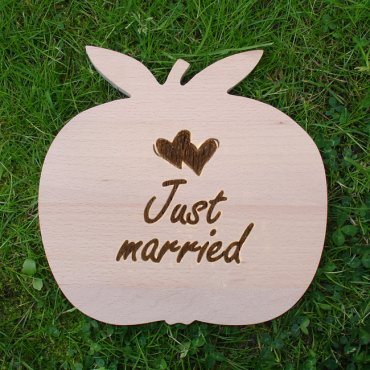 Holzapfel mittel Just married